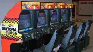 Daytona-usa-bornes-arcades : jeu à 4 simultanément !